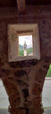 Particolare dell'Antica via Porticata con apertura sul campanile