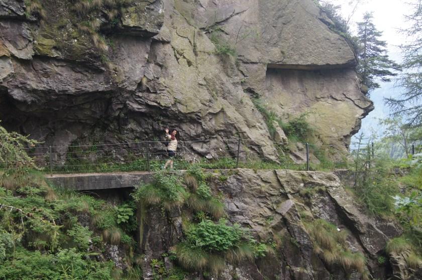 Raffi Garofalo lungo il sentiero 411 di ritorno dalla Diga del Gleno