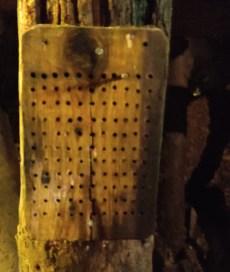 la piastra per segnare i carrelli riempiti di minerale in una giornata