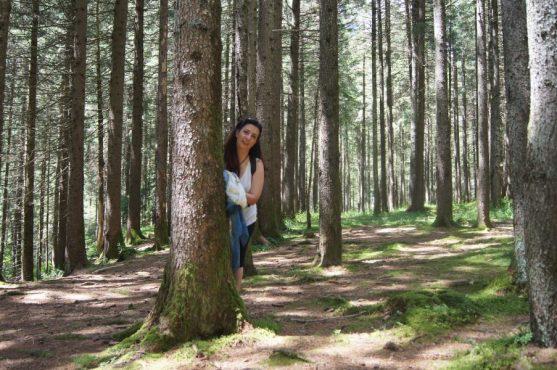 Raffi Garofalo nel bosco della Valle del Vò