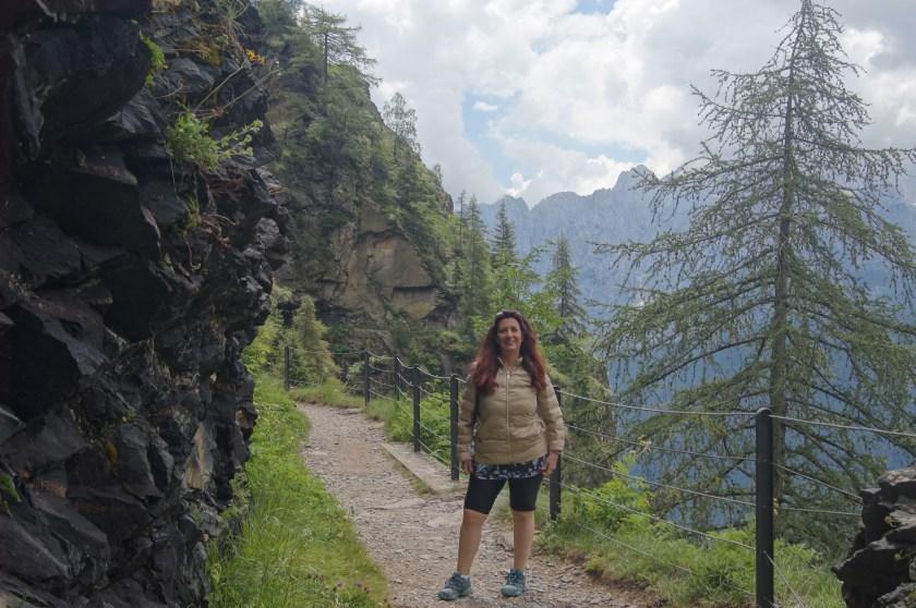 Raffi Garofalo sul sentiero 411 in discesa