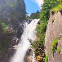 Trekking estivo: alla Cascata del Vò a due passi da Schilpario (Bg), in Val di Scalve, tra boschi e sentieri storici tutti da scoprire