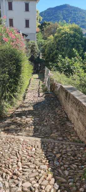discesa mulattiera verso il fiume Brembo