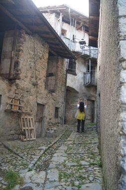 Raffi fotografa i ballatoi in legno di Catremerio