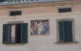 Murales facciata palazzo a Valtorta