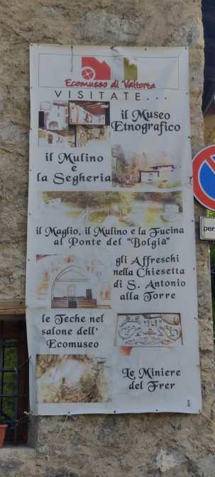Pannello con descrizione attrazioni turistiche di Valtorta