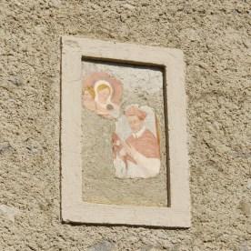 immagine sacra su facciata di Valtorta