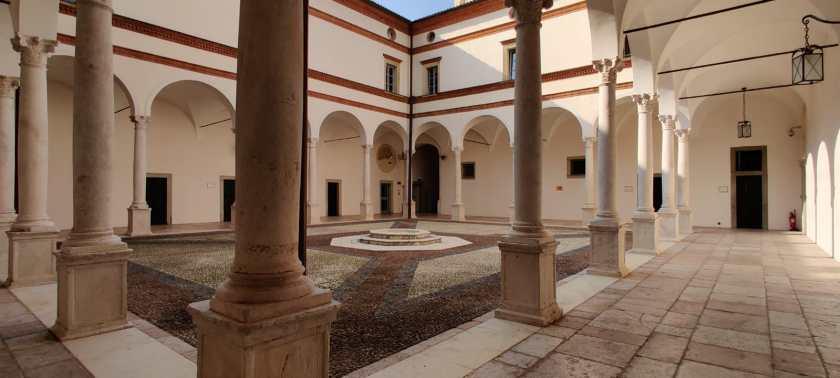 chiostro minore Abbazia di San Paolo d'Argon BG