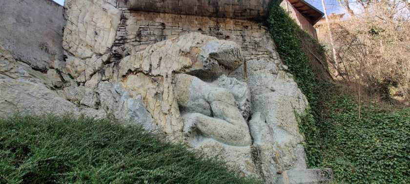 Gigante di pietra a Luzzana