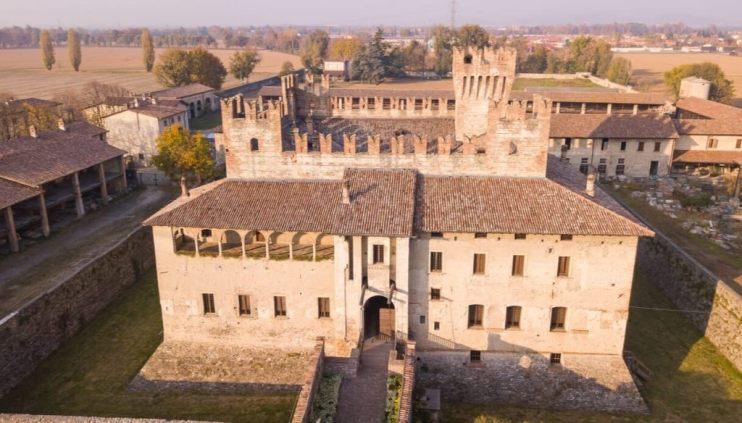castello Cavernago autunno