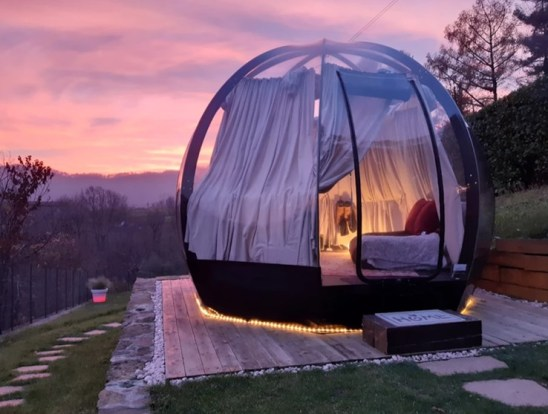 Dove dormire a Bergamo: dormire sotto le stelle in una bolla trasparente