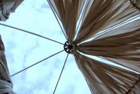 la cupola trasparente di una bolla dove dormire a Bergamo
