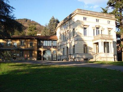 biblioteca Alzano esterno