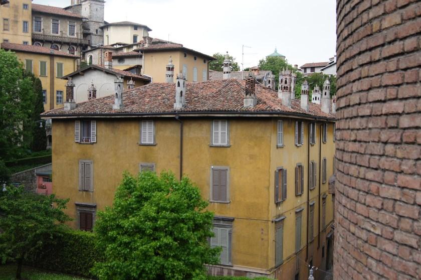 Casa coi comignoli Via San Lorenzo