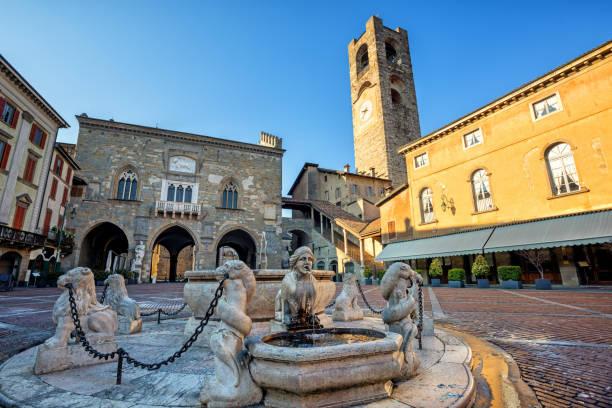 Tinder primo appuntamento a Bergamo Piazza Vecchia