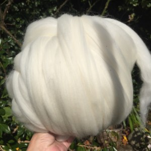 Giant Knitting Wool Yarn for knitting blankets, throws, cushions, scarves and hats