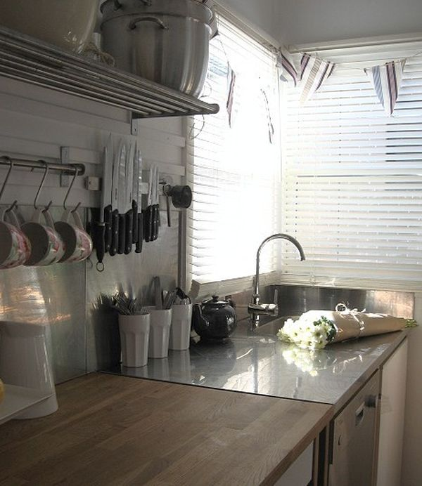 country-kitchen-knife-storage