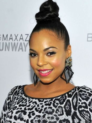 top-knot-hairstyle-for-black-women-2016