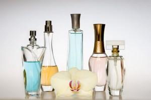 5 ingrediente daunatoare prezente in produsele cosmetice