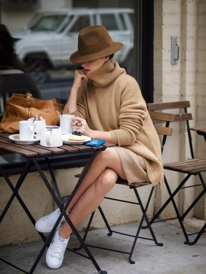 people-and-styles-white-sneakers-trainers-spring-trend1