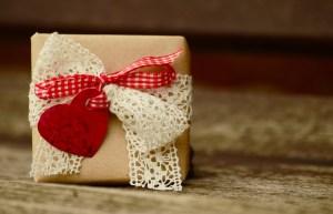 Idei de cadouri penru ziua ei – cum poti scăpa de lipsa de inspiratie?