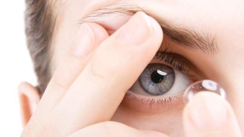 Lentilele de contact torice: cum le alegem pe baza ochelarilor? Corelația dintre lentilele de contact și ochelari