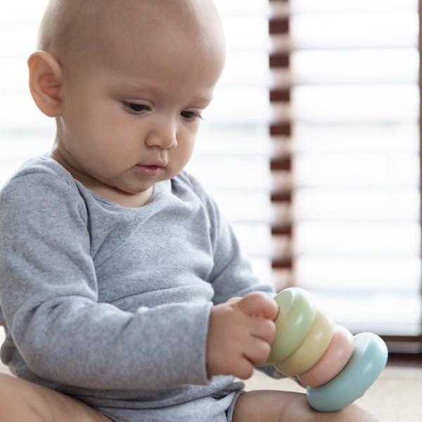 Anillos apilables para bebé, marca Plan Toys