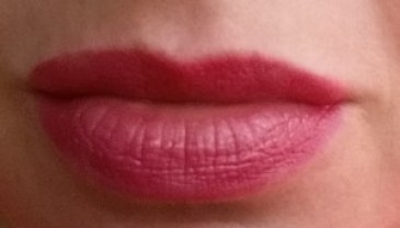 Bobbi Brown Nourihsing Lip Color - Bright Raspberry - Swatch on lips in natural light