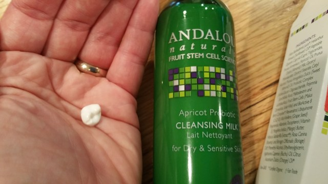 Review of Andalou Naturals Apricot Probiotic Cleansing Milk