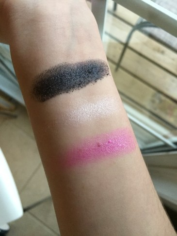 jeffree-star-skin-frost-finger-swatches