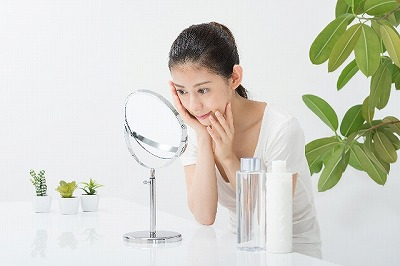 化粧水のつけ過ぎは逆効果!?