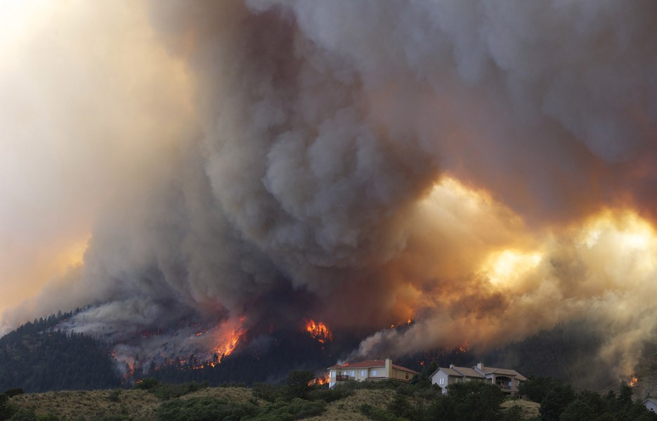 wildfire-smoke-houses-935