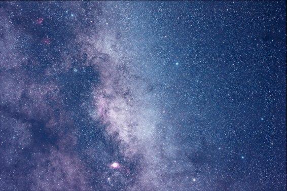 2013-09-29 Lagoon Nebula, 50mm, 5 min, f/3.5, ISO 3200.