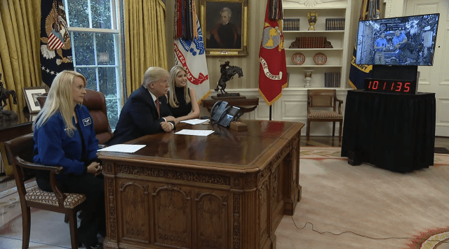 Trump in Oval Office