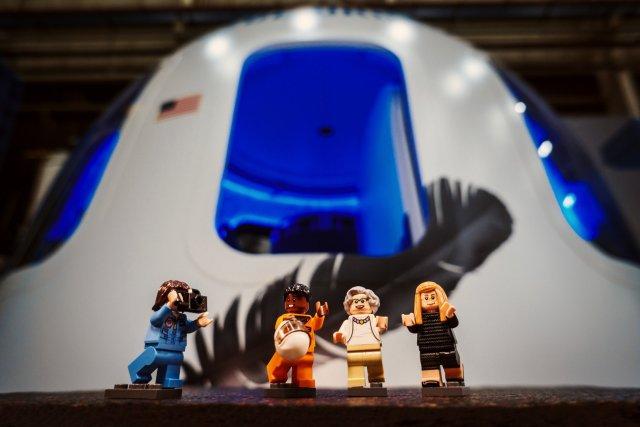 Lego minifigs at Blue Origin