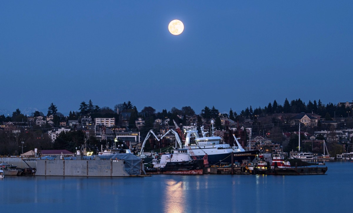 Full moon over Seattle
