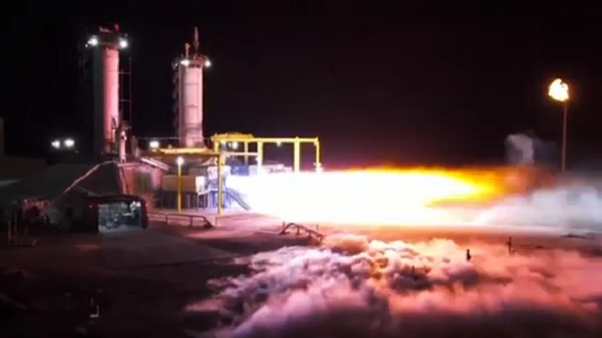 BE-4 rocket engine firing