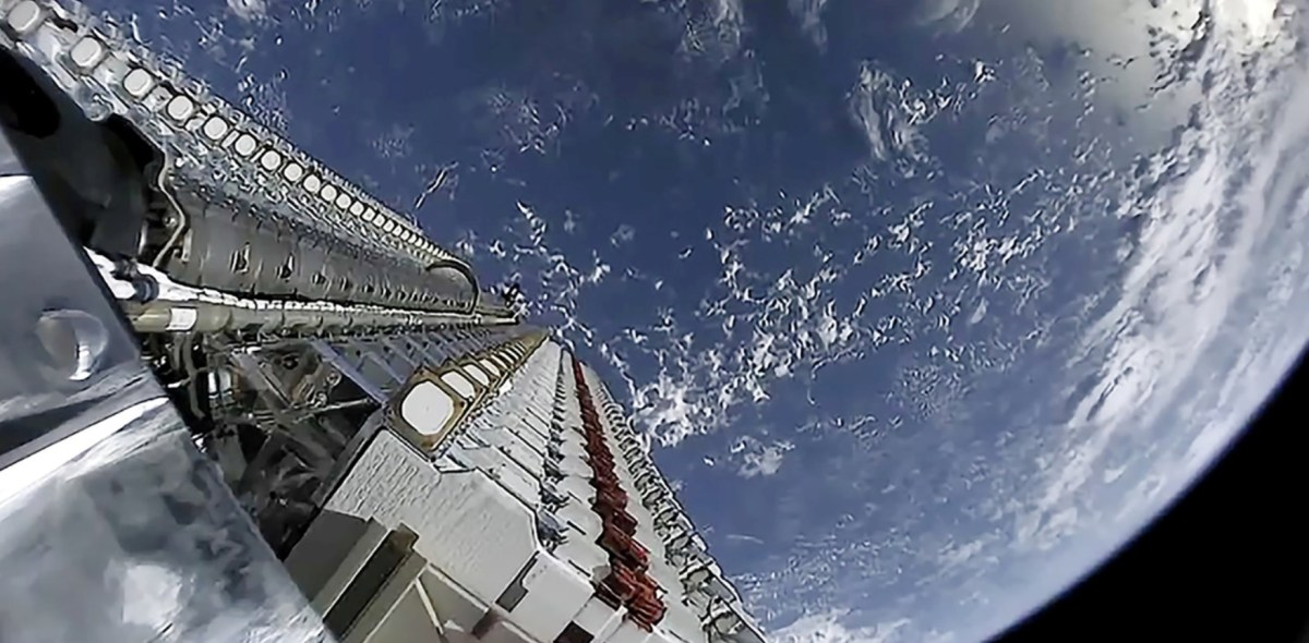 Starlink satellite deployment