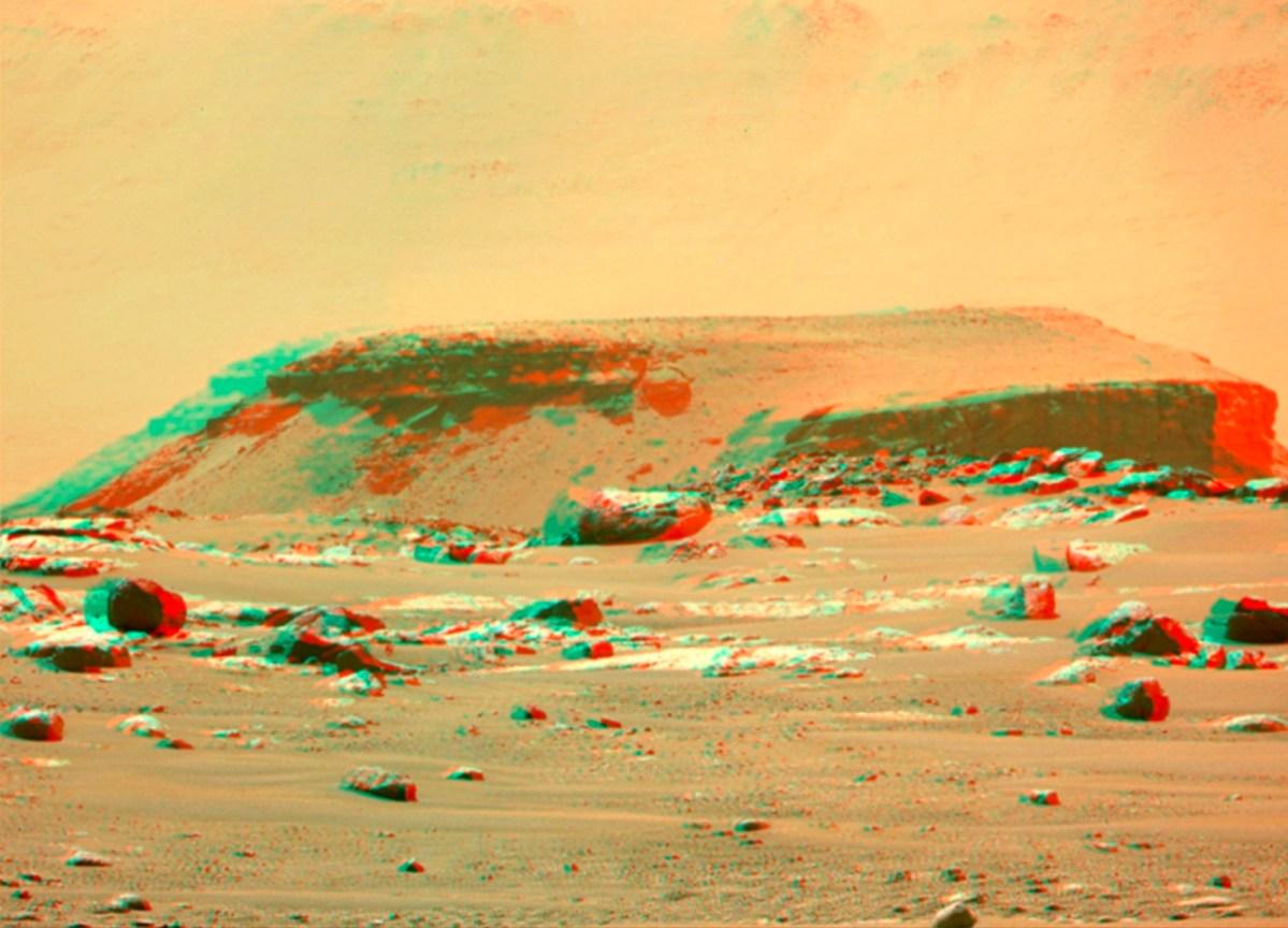 Mars 3-D view of delta remnant