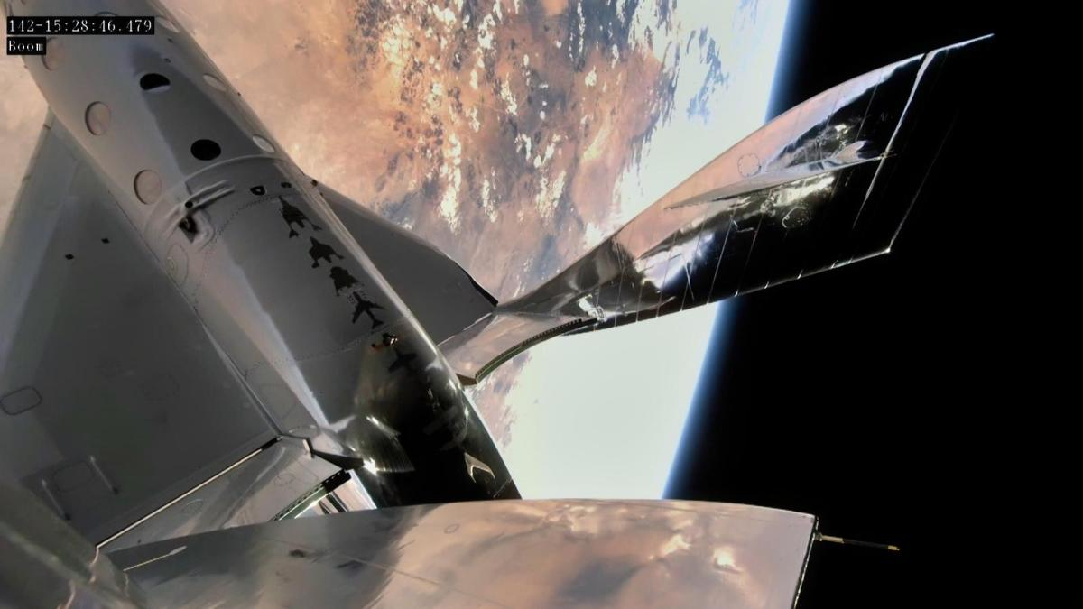 SpaceShipTwo in flight