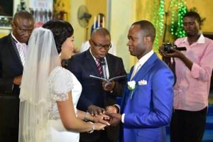 couples taking their vows
