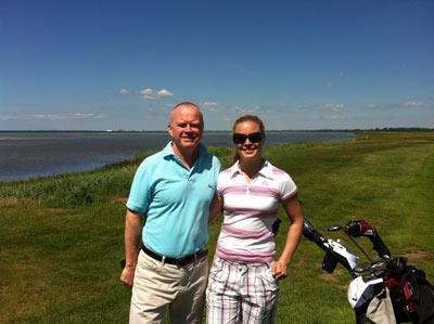 Pappa och jag på golfbanan.