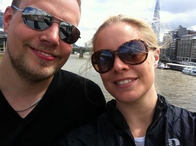 På bron över Themsen.