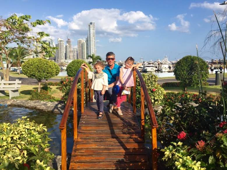 CosmopoliClan on a small bridge at the Cinta Costera, enjoying colorful Panama to the fullest