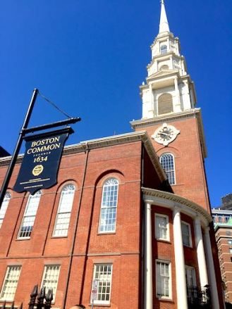 ThePark Street Church at Boston Common agains a clear blue sky