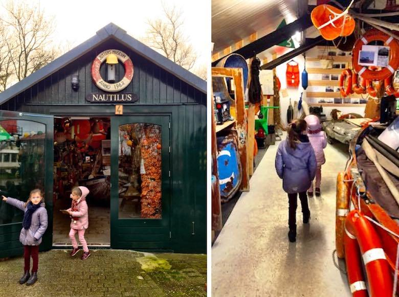 Twee kleine meiden op ontdekking in Schipbreuk -en Juttersmuseum Flora te Texel