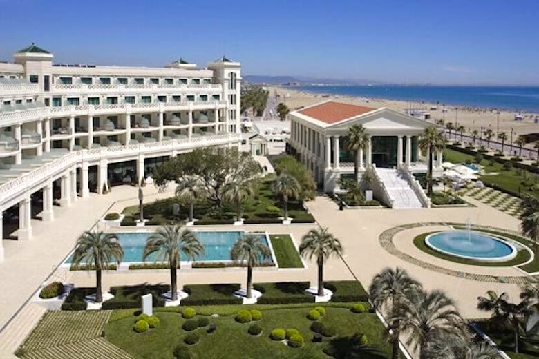 Aerial view of Hotel Balneario Las Arenas, one of 10 exquisite family-friendly luxury hotels in Spain