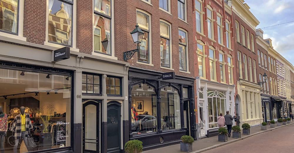 Art galleries, boutiques and fancy shops at the Dennestraat in The Hague