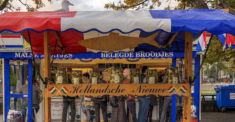 Haringkraam Buitenhof, the famous fish stall where you can try herring, is a must-see in The Hague