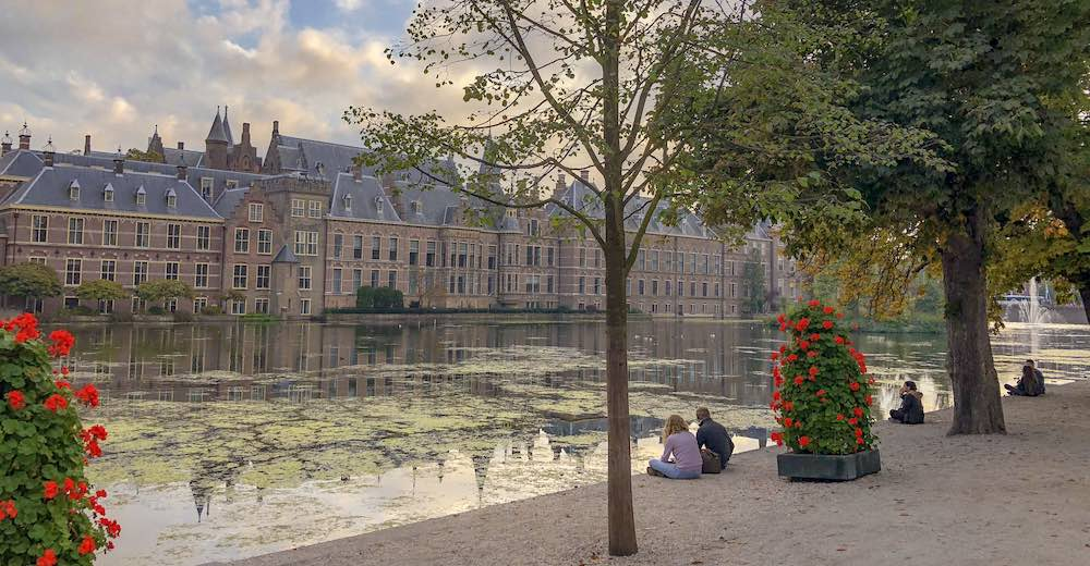 The beautiful Hofvijver of The Hague, yet another interesting day trip from Brussels, Belgium